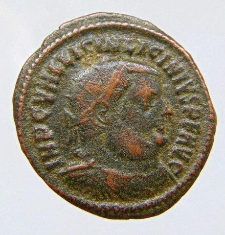 Licinius I. A.D. 308-324. AE follis (19mm, 2,72 g). Heraclea mint, struck A.D. 3