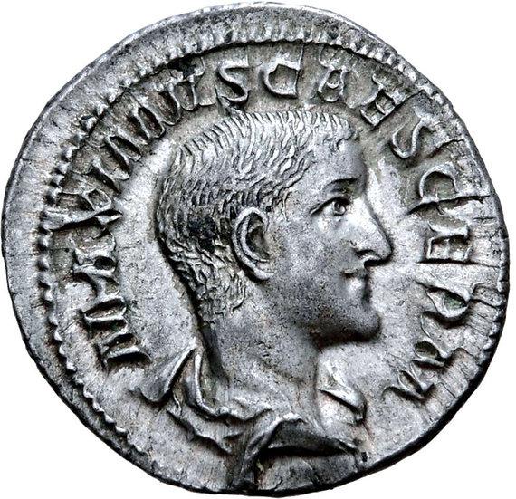 Moeda Romana Maximus, como César, AR Denarius. Roma, 236-237 dC