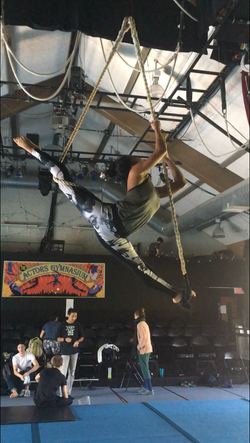 Single point trapeze