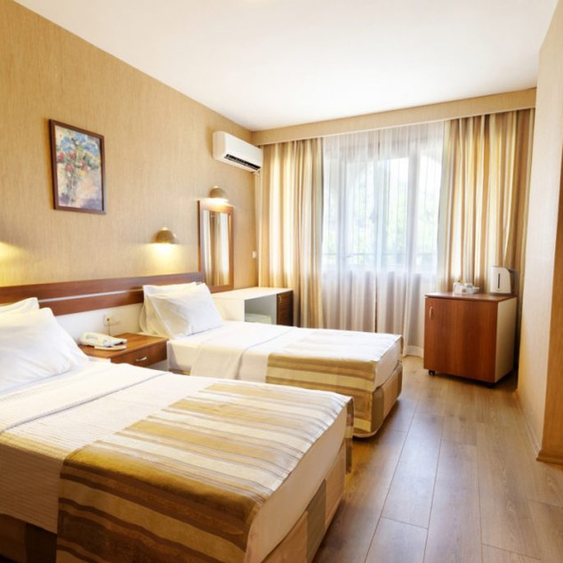 Standard-Room-1-2020-1024x683.jpg