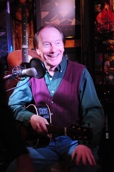 Singer/songwriter Randy Brooks, seen here in concert at In the Music Room, Waxahachie.  Photo by Gene Moore