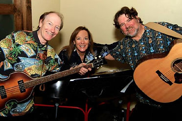 Quasi-Caribbean trio Sweet Steel, featuring, from left: Randy Brooks, Sue Manios, and Kelly Brown