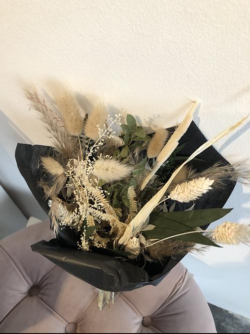 Trockenblumenstrauss natur