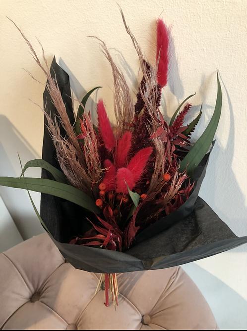 Trockenblumenstrauss rot