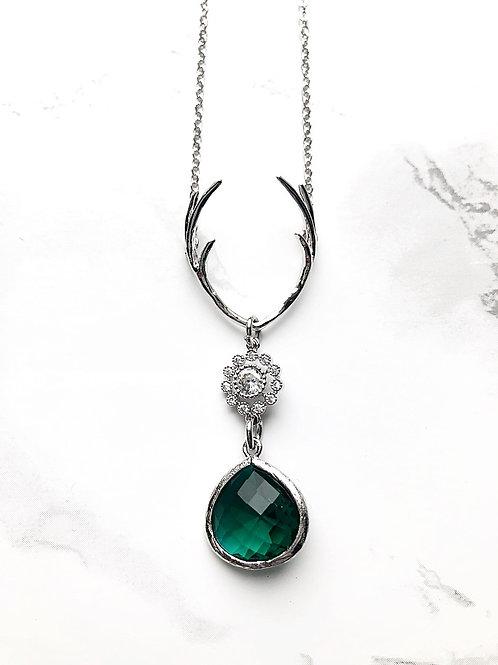 Kette HIRSCHKLUNKER mit Strasselement silber emerald