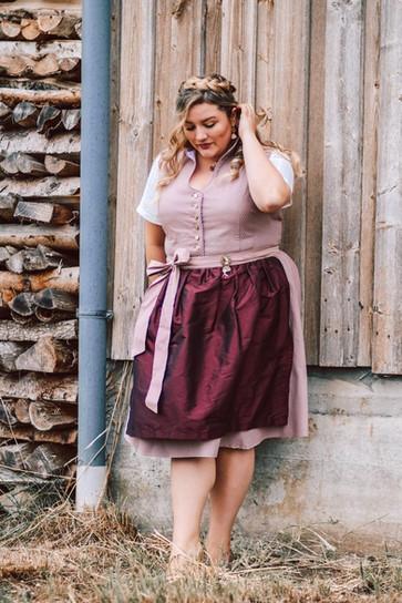 Plus Size Bloggerin Theodora Flipper für Ninnerl Dirndl