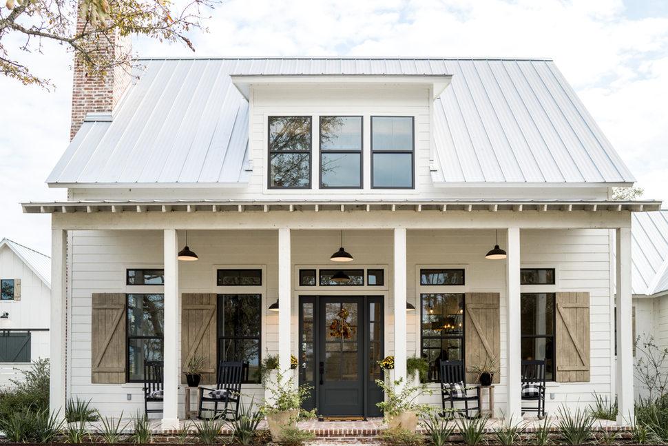 Exterior-Farm-House-PorchHouse-Entry-Hig