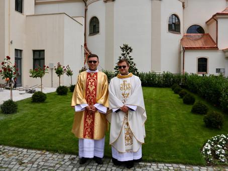 Pap- és diakónusszentelés Szatmárnémetiben