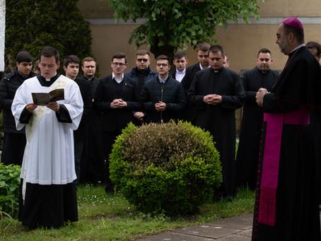 Papi hivatásokért imádkoztak
