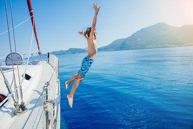 прыжок с яхты.jpg