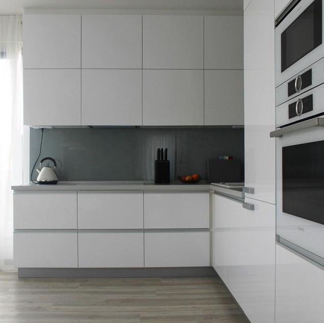 kuchyne-bila_1.jpg