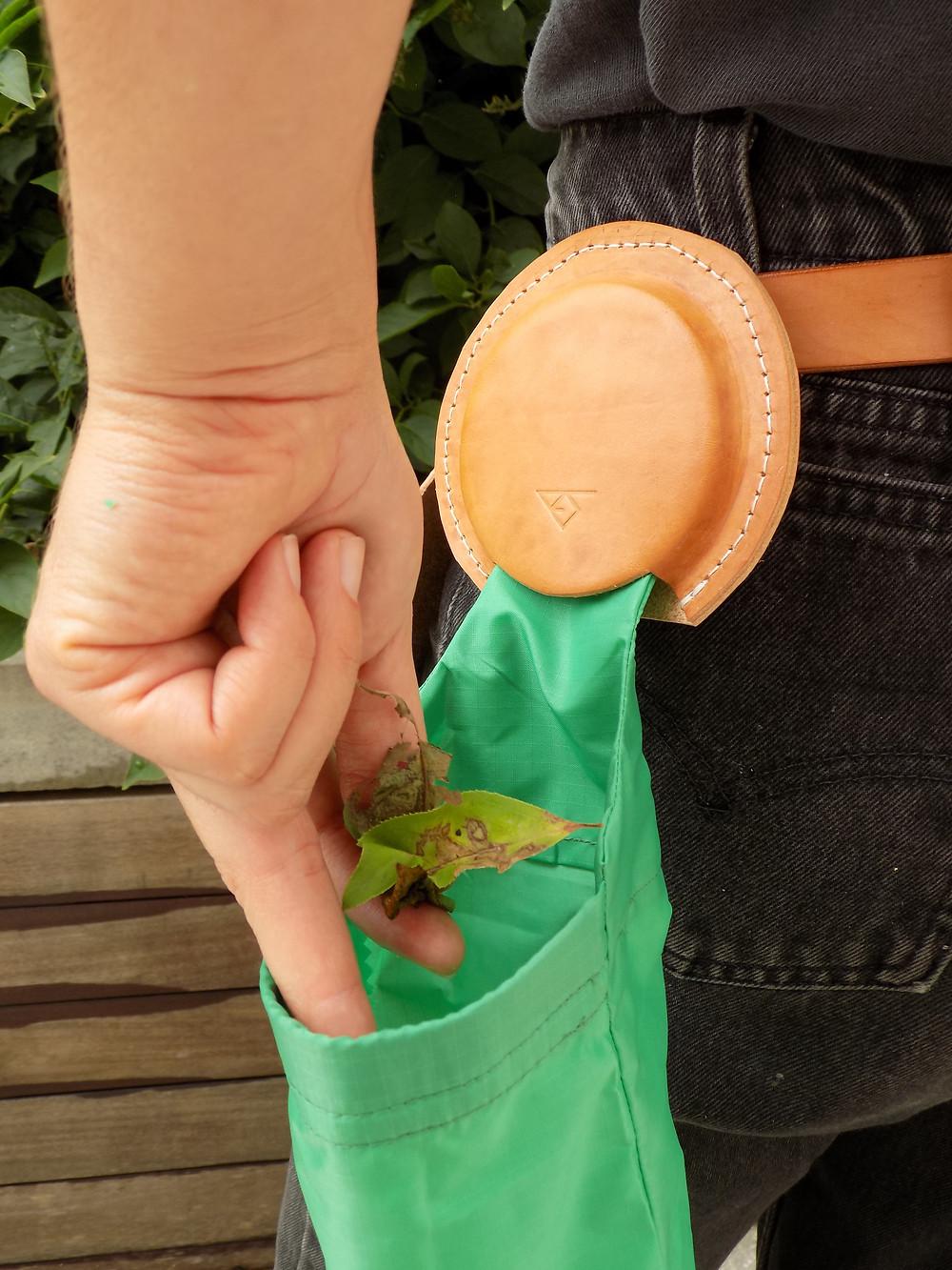 plants, tool belt, rays design, plant debris bag, dead leaves, bag for dead leaves