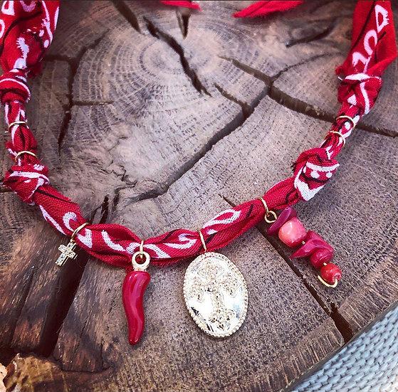Collier croix rouge