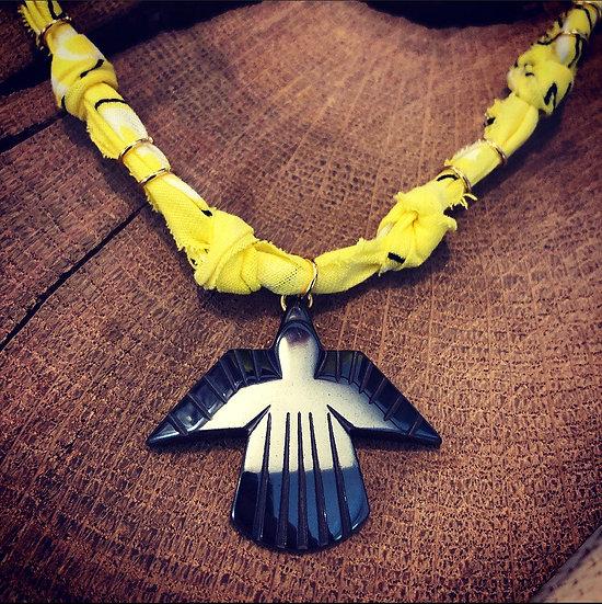Collier jaune condor