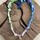 Thumbnail: Collier vert/rose/bleu main