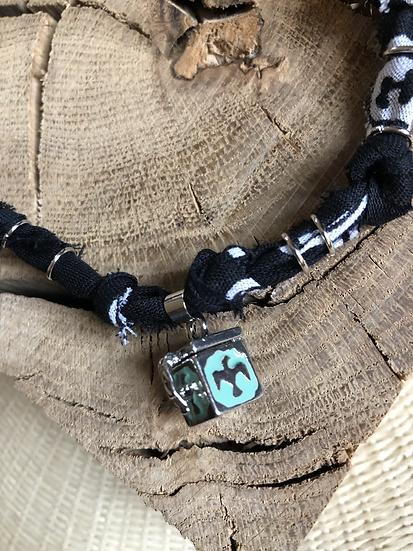Collier noir locket condor