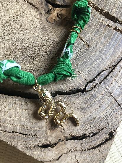 Collier vert serpent