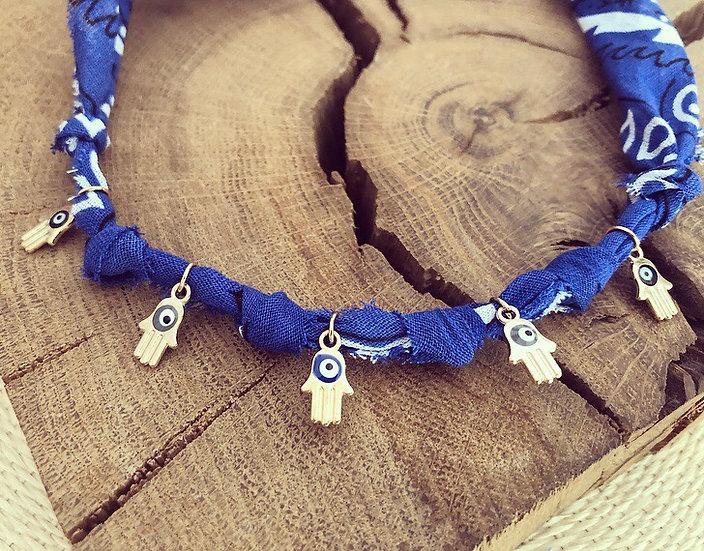 Collier bleu main hamsa