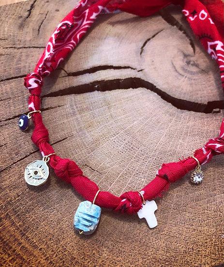 Collier scarabée rouge