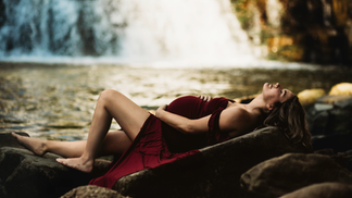 maternity-outdoor-portrait.png