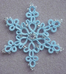 Daisy picot snowflake - with beads.jpg