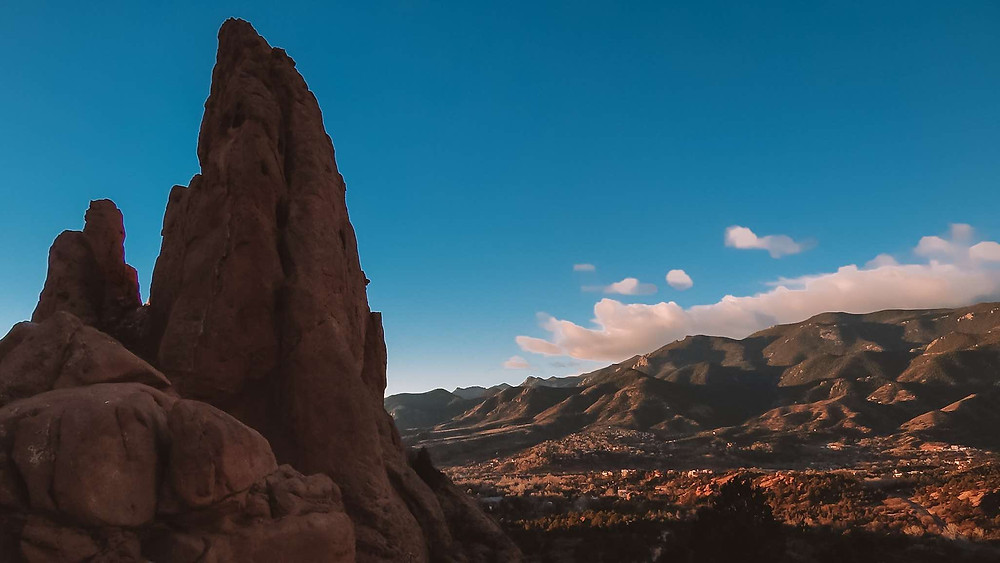 Garden and the Gods is an amazing spot in Colorado Springs, Colorado. Come here for the sunrise, but don't forget you can make this a special place for engagement photos or do a photoshoot.