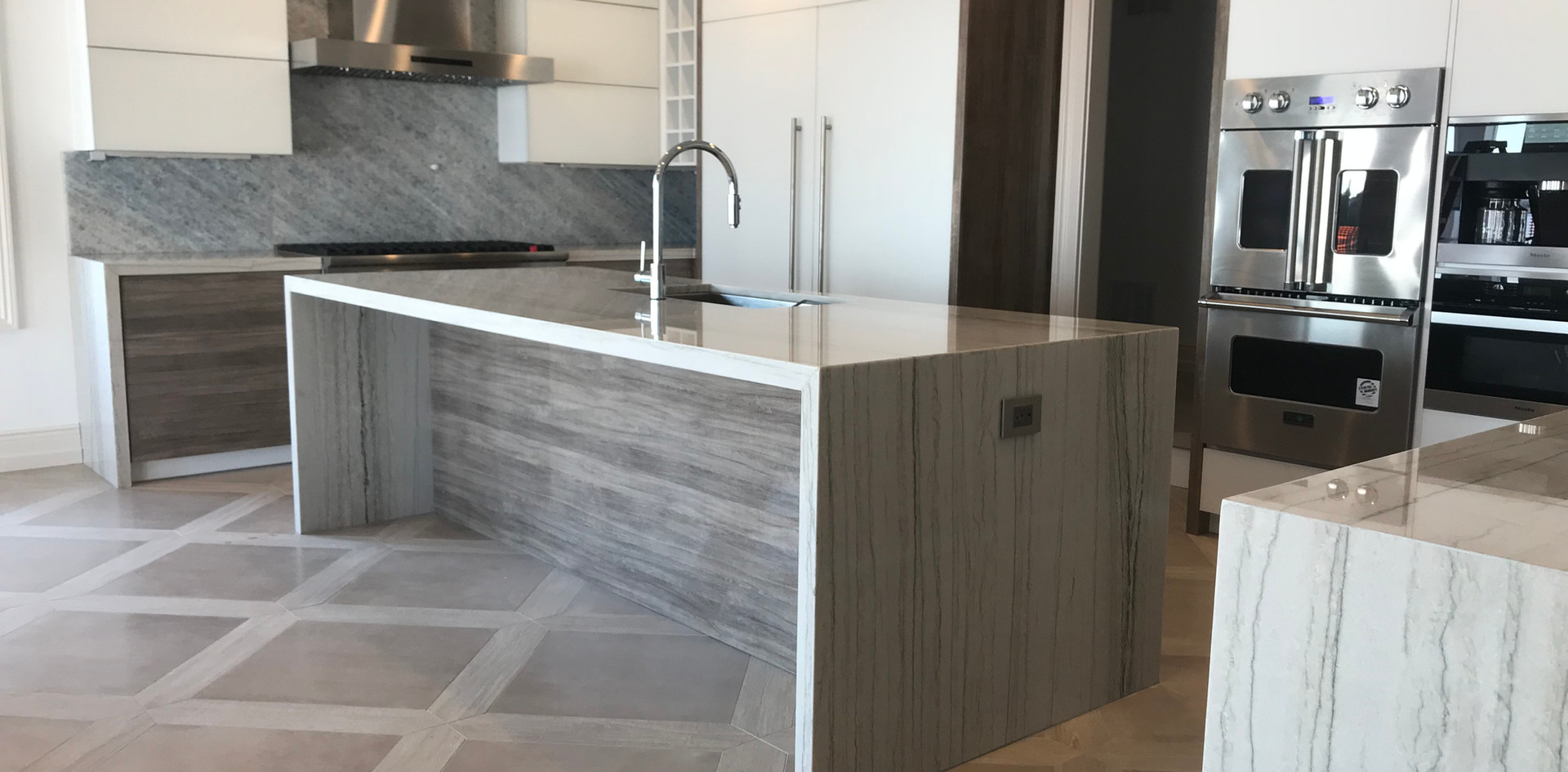 Modern Quartzite Kitchen Countertops, Passaic, NJ, Njcountertops.com
