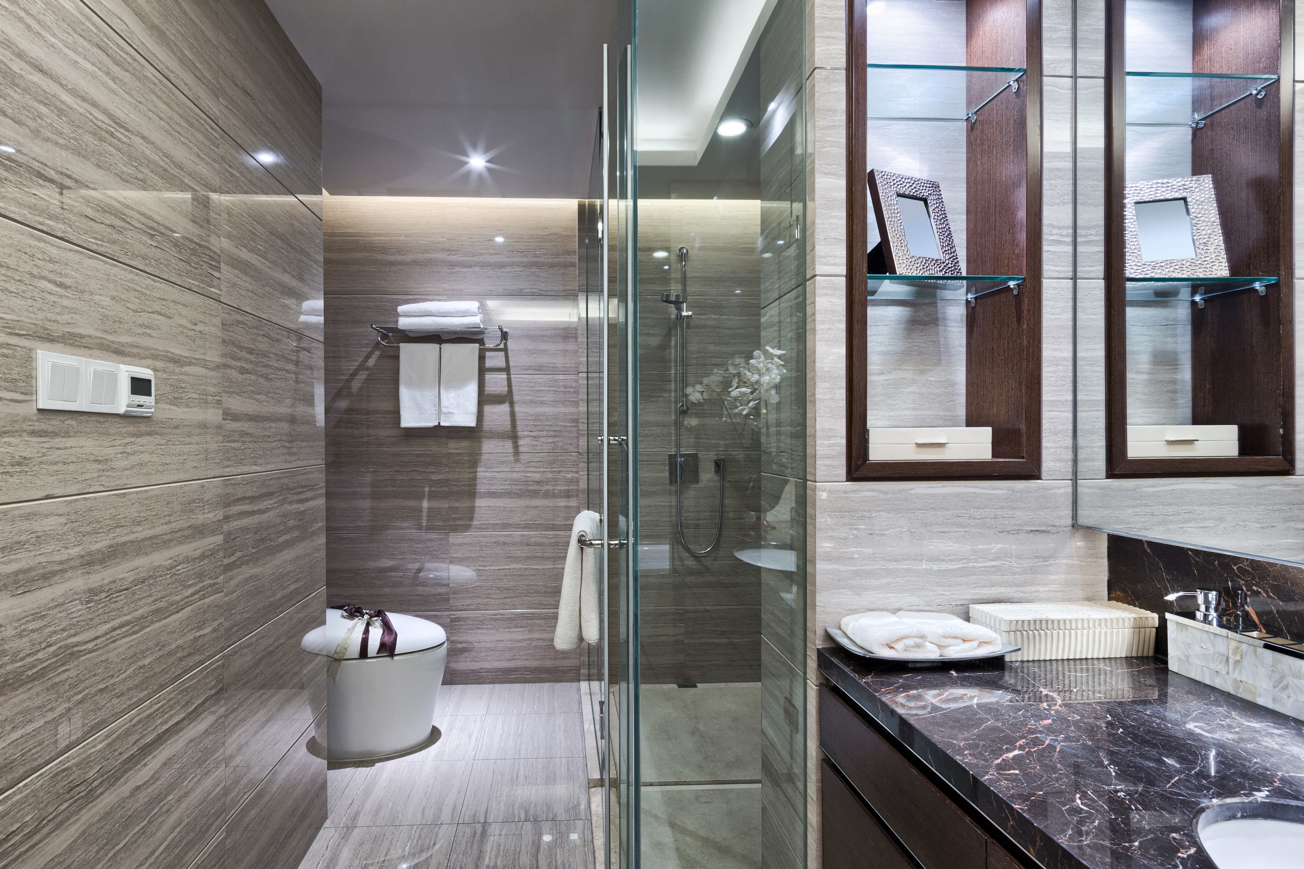 bigstock-Luxury-hotel-bathroom-interior-93522503