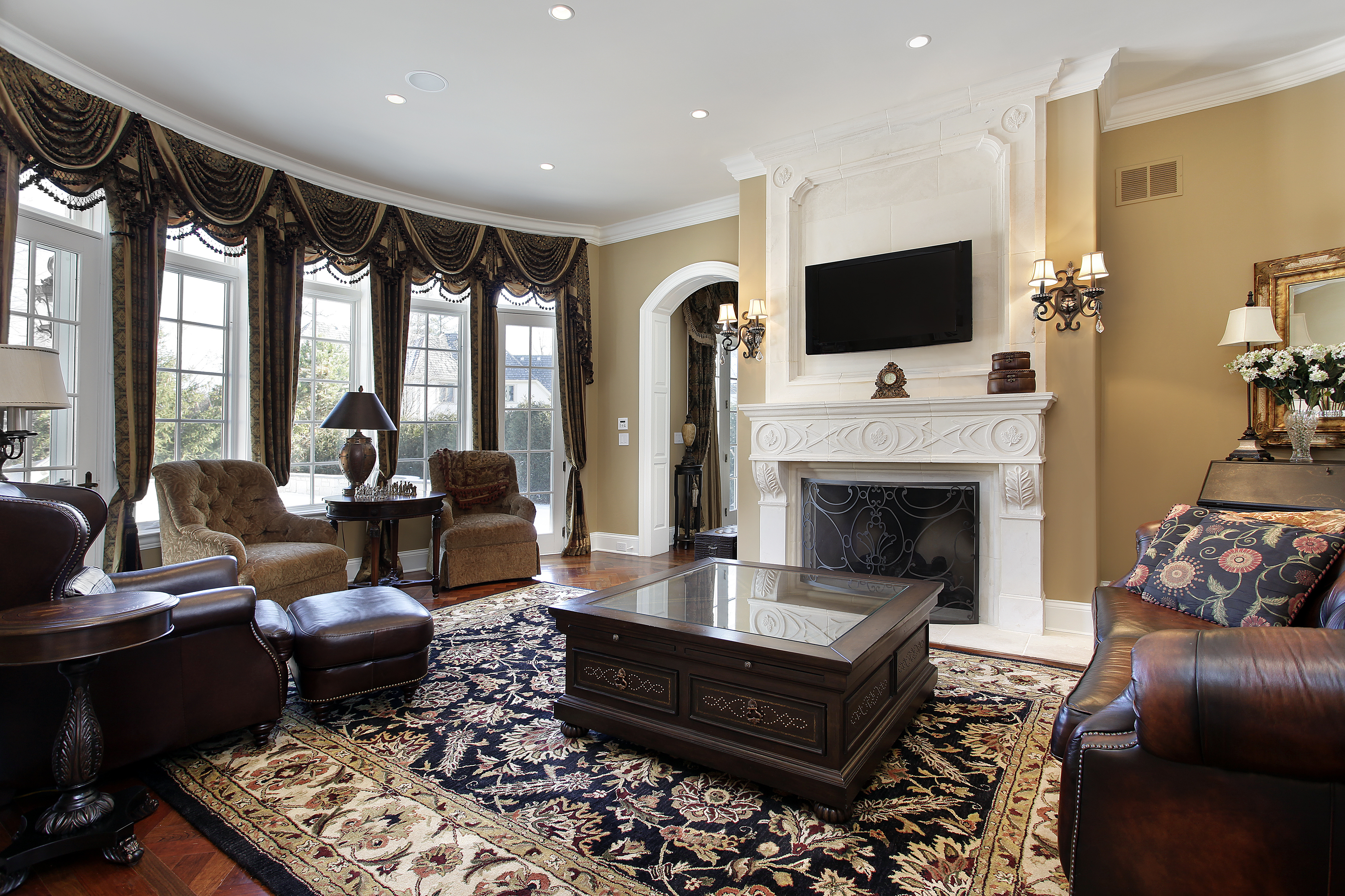 bigstock-Family-room-in-luxury-home-wit-16568468