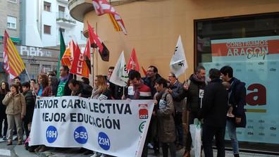 Concentración frente a sede Chunta Aragonesista