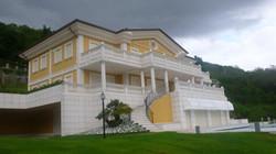 Villa plurifamiliare