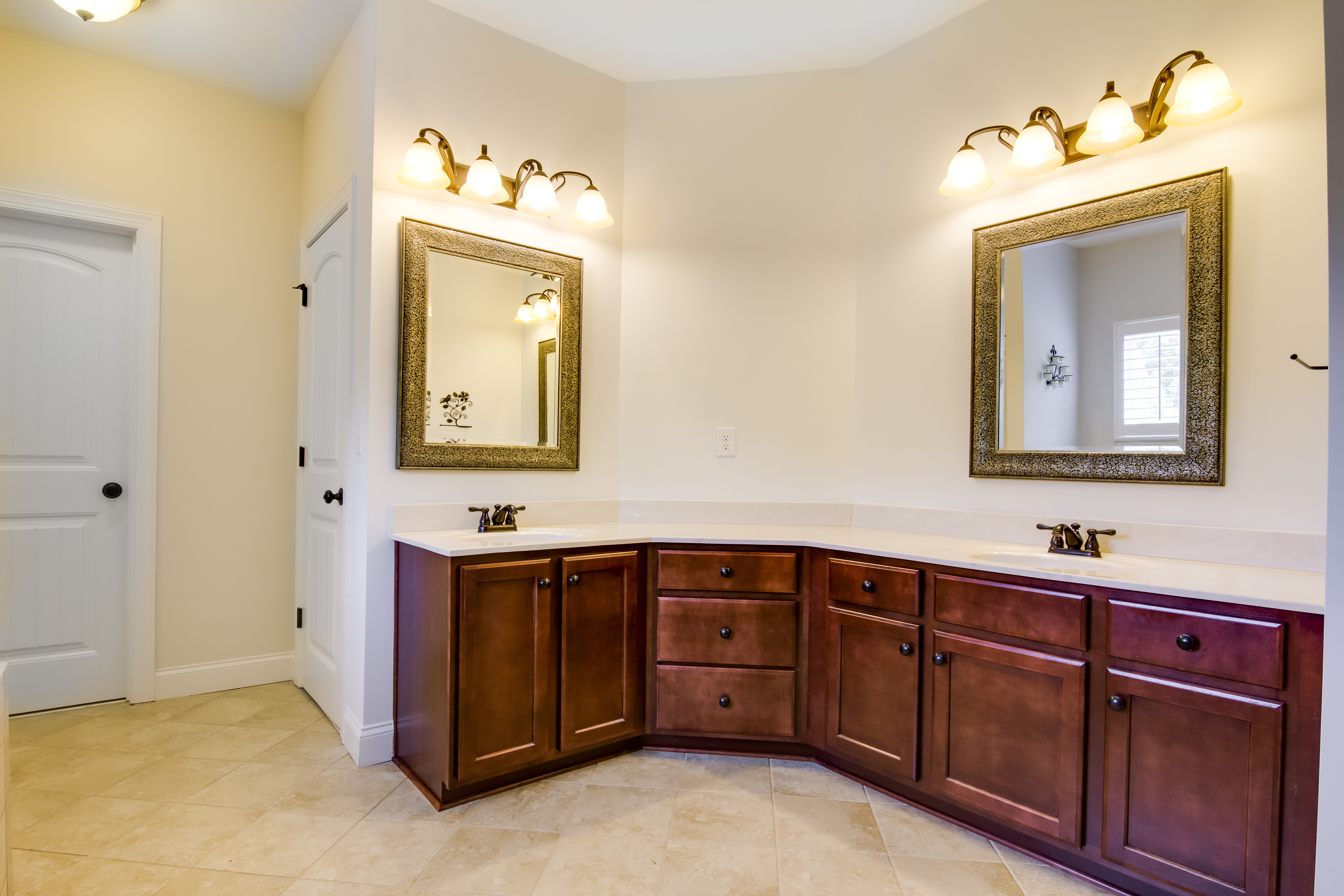 30-Master Bathroom