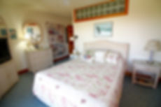 queen master bed.jpg