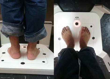 Scanning feet to improve sizing algorithm