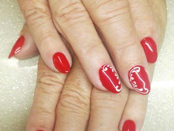 Nail art arabesques de mariage