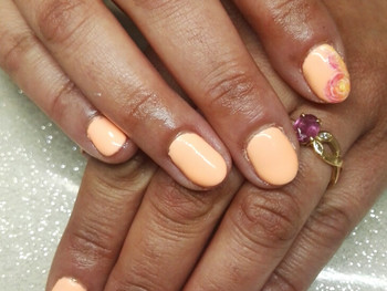 Nail art roses avec le Gass effect