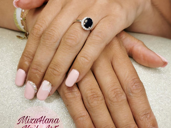 Nail art mariée rose tendre