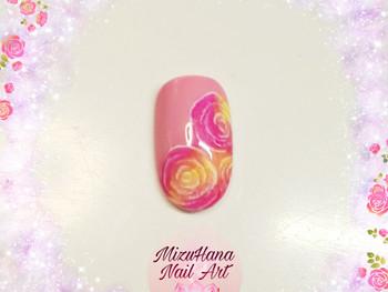 Capsule nail art rose avec Glass Effect