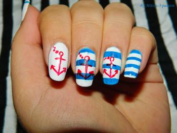 Nail art ancre Marine