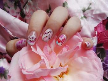 Nail art branches de fleurs sakura