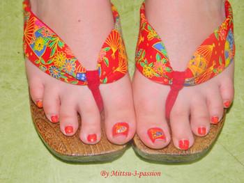 Geta au pied, nail art japonais sur les ongles