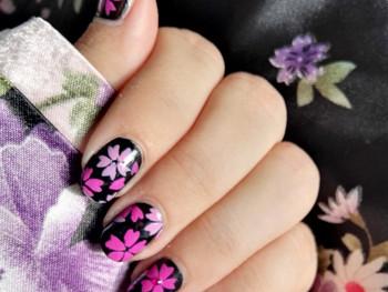 Nail art kimono d fleurs sakura