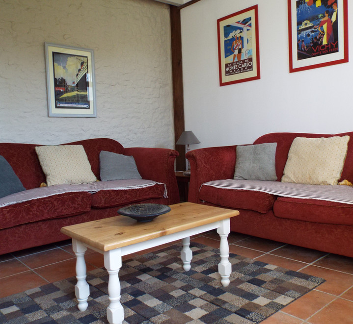 sitting room 1.JPG