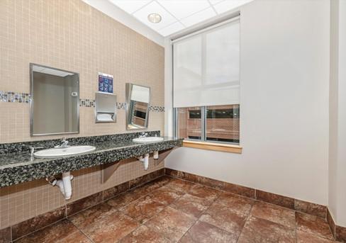 21.Bathroom.jpg