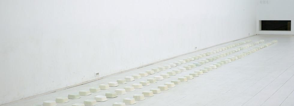 정욱, <일상의 이면>, 50*15cm, variable installation, 2018