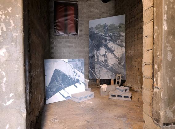 정지윤 <Genoese bridge ⅠⅡ>, oil on canvas, 72.7*72.7cm, 2018 <Genoese Bridge Ⅱ 1>, oil on canvas, 162*97cm, 2018