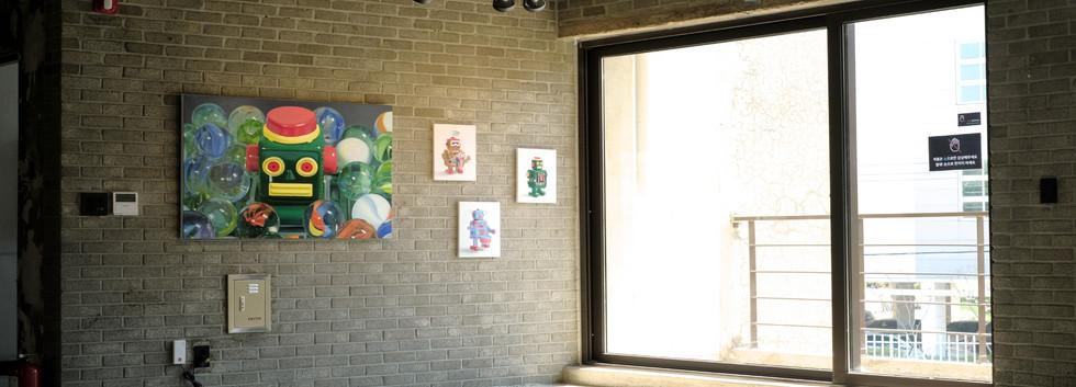장윤지 <동심>, oil on canvas, 80.3*116.8cm, 2019 <봉구>, oil on canvas, 34.8*27.3cm, 2019 <홍구>, oil on canvas, 34.8*27.3cm, 2019 <철구>, oil on canvas, 34.8*27.3cm, 2019