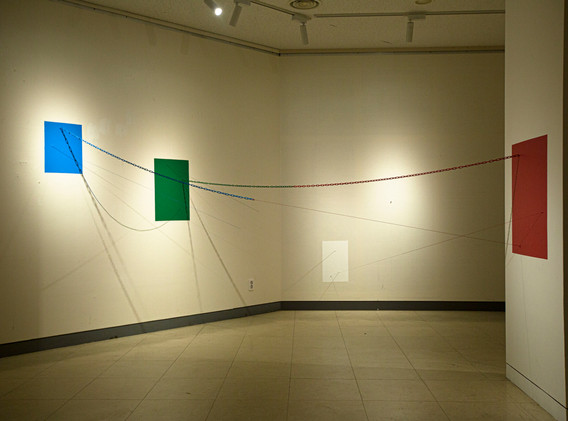 이인수, 옷깃이 스치는 형태에 관하여, mixed media, installation, 2020