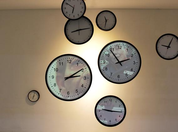 이소려, <The piece of time>,  Clock, Ink-jet printing, video, Projection mapping, 2min 56sec, 2013