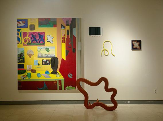 김아해, 큰 회화 한 점과 몇 가지 요소들, mixed media, installation, 2020